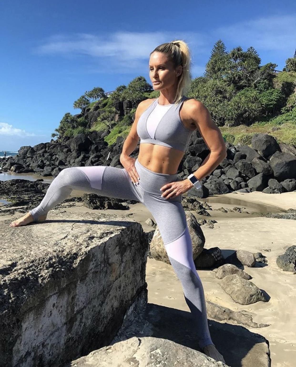 одежда для фитнеса женская купить