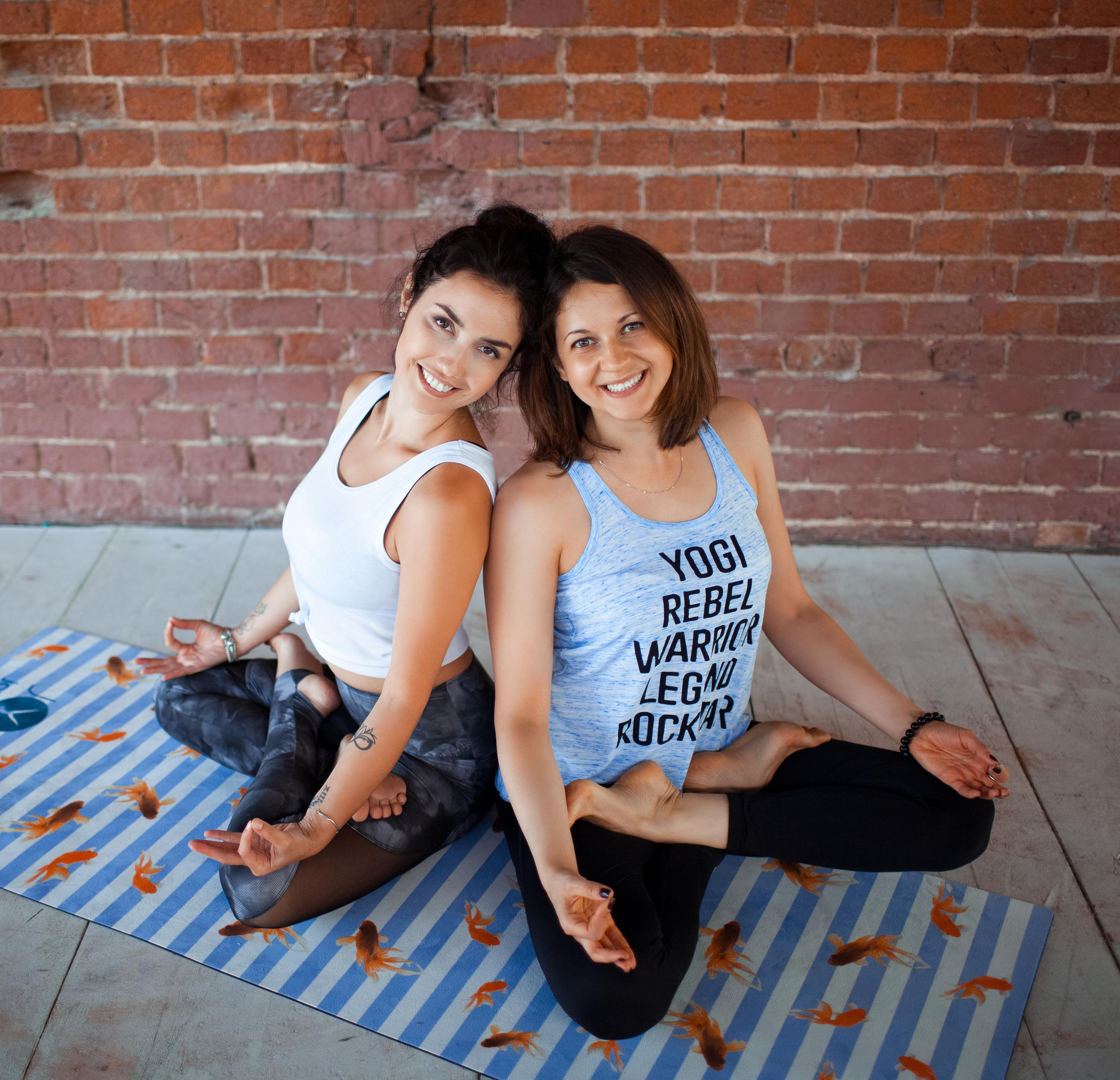 красивая одежда для йоги